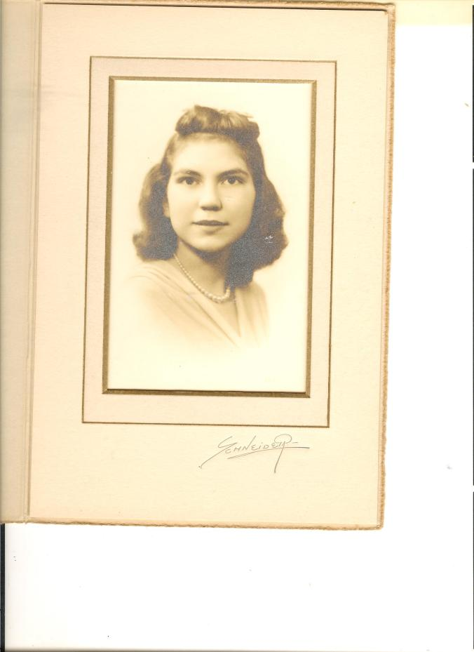 Mom as a young woman 001